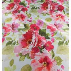 Metraj draperie dim-out cu model elegant de flori rosii si roz