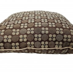 Perna decorativa cu model geometric Karo maro cu bej