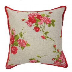 Perna decorativa cu flori rosii pe fond crem deschis