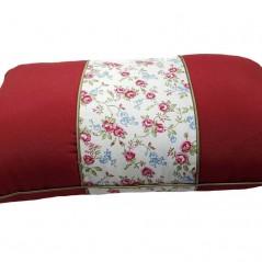 Perna decorativa dreptunghiulara rosie cu model floral