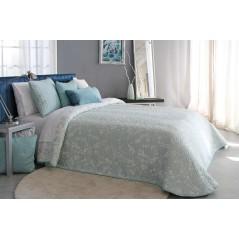 Cuvertura eleganta Ohanna bleu deschis cu model floral delicat