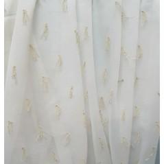 Metraj perdea voal elegant alb cu franjuri aurii