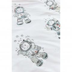 Set lenjerie de pat pentru copii cu 1 fata de perna Astronaut cu astronauti gri pe fond alb