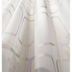 Metraj perdea voal alb cu model discret multicolor