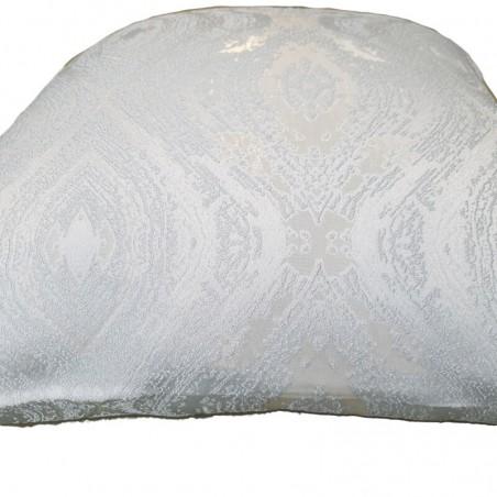 Perna decorativa cu model elegant argintiu