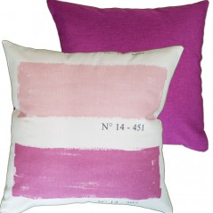 Perna decorativa cu dungi moderne roz si visiniu pe fond crem
