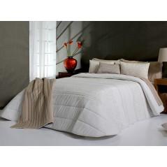 Cuvertura de pat Telmo crem cu design elegant