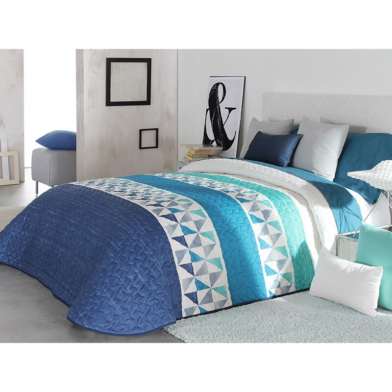 Cuvertura de pat Wang 2P albastru cu alb si bleu cu model geometric