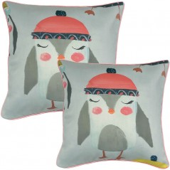 Perna decorativa moderna cu pinguin cu caciula portocaliu roze