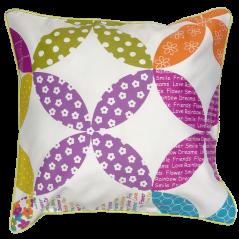 Perna decorativa cu 2 fete cu design vesel si scris colorat lateral