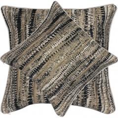 Perna-decorativa cu aspect texturat si design abstract maro cu bej si negru
