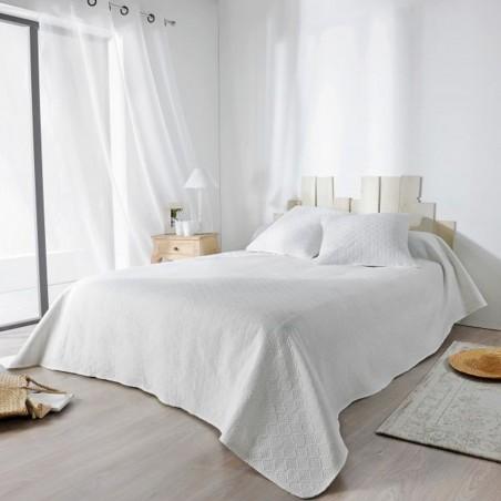 Set cuvertura de pat cu 2 fete de perna cu design clasic Verdon ecru
