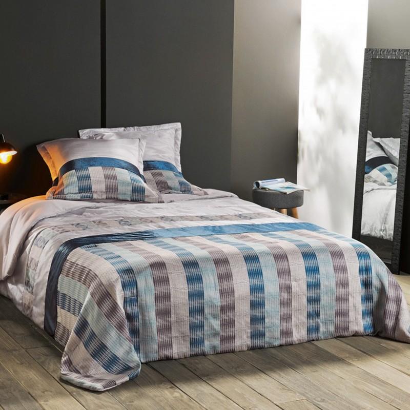 Set cuvertura de pat cu 2 fete de perna Blue Angel bej cu albastru si maro