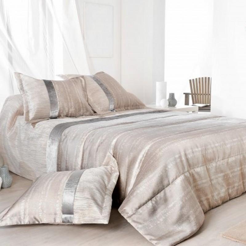 Set cuvertura de pat de lux cu 2 fete de perna cu design elegant Plaza crem perlat
