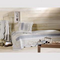 Set cuvertura de pat cu 2 fete de perna stil provence Marylou bleu cu gri si crem