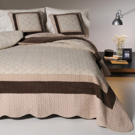 Set cuvertura de pat cu 2 fete de perna design simplu Lory crem cu maro