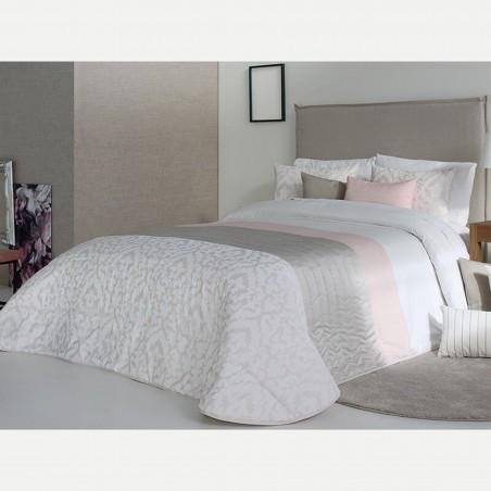 Cuvertura de pat eleganta Kylie cu design deosebit crem cu bej si roz pal