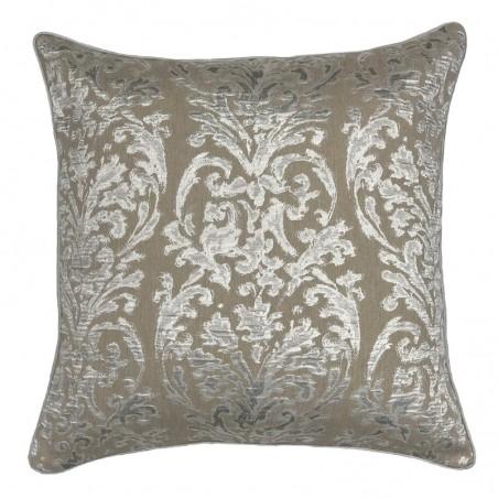 Perna decorativa cu design damask argintiu pe fond grej