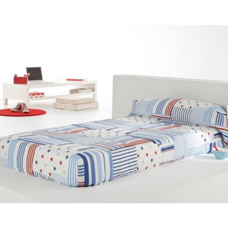Cuvertura de pat baieti cu dungi si stelute Patch AG alb cu albastru