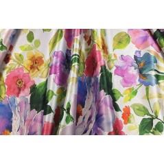 Metraj draperie dim-out cu model elegant de flori mov