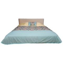 Cuvertura de pat cu o perna decorativa galben cu verde turcoaz