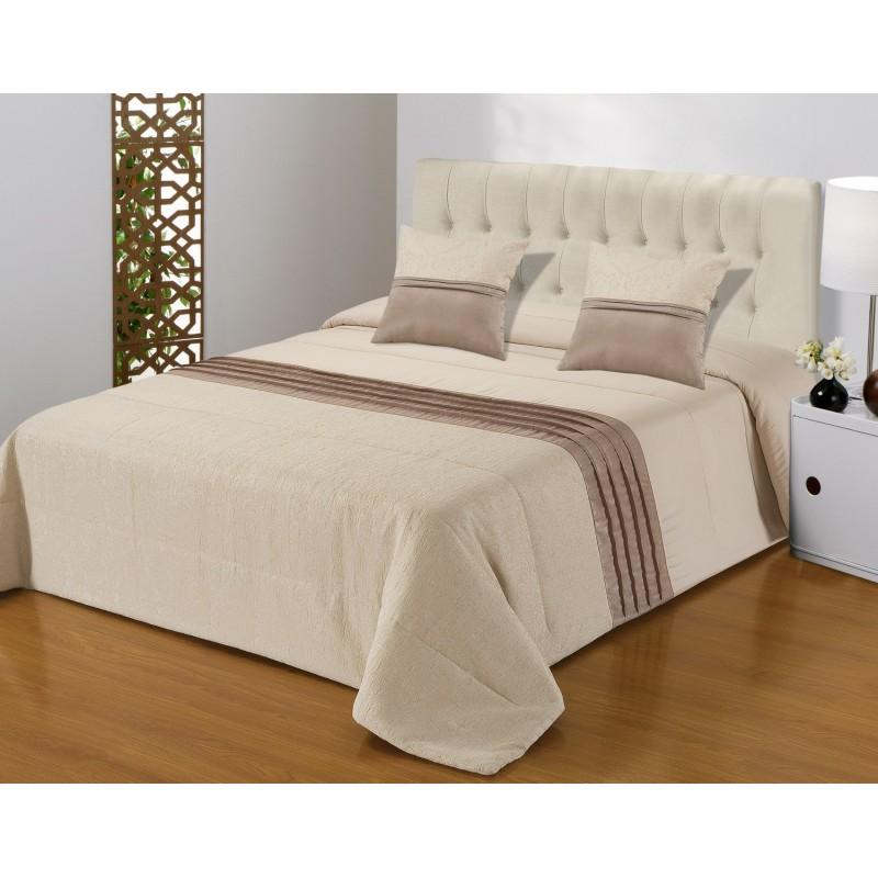 Set cuvertura de pat cu 2 fete de perna elegant crem