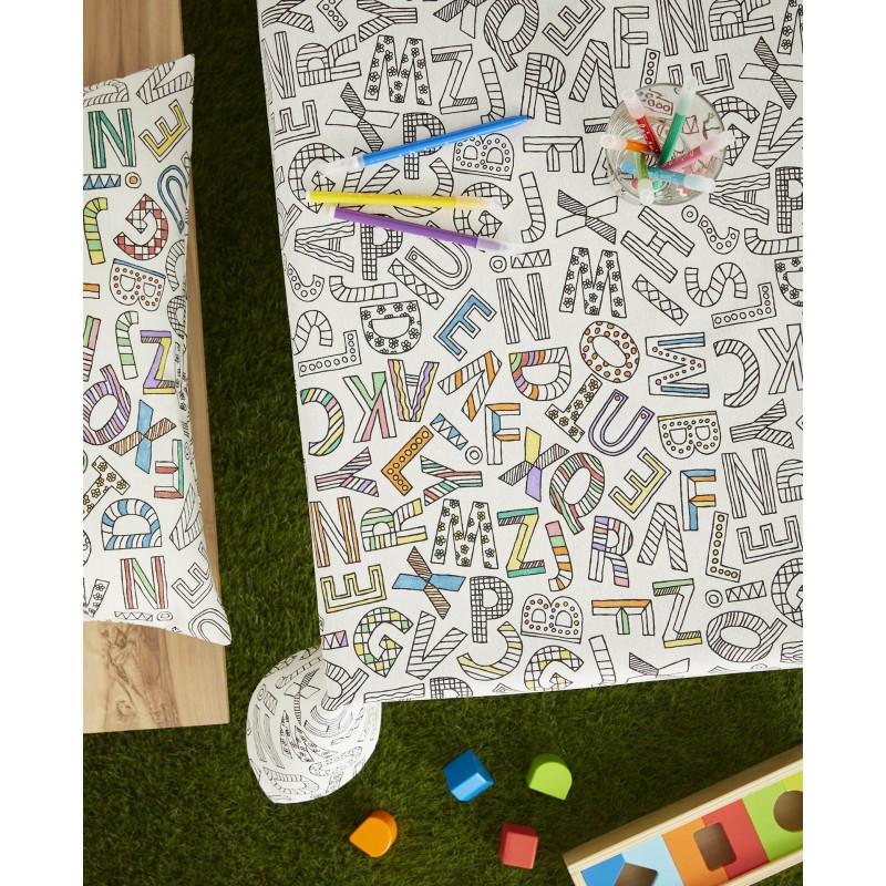 Fata de masa de colorat pentru copii cu litere