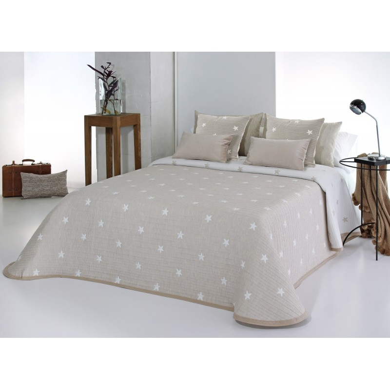 Cuvertura de pat bej cu stelute albe
