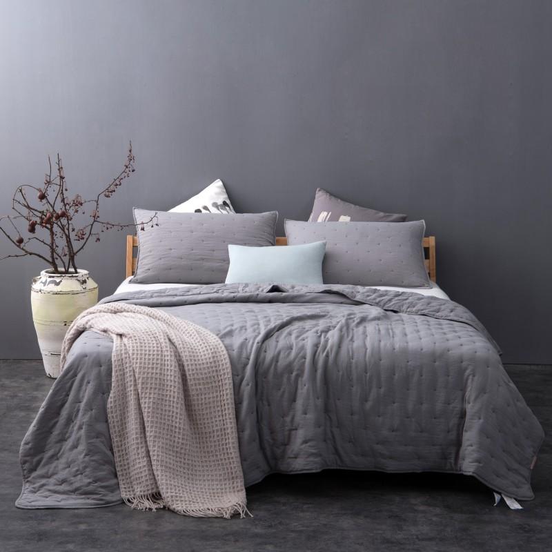 Set cuvertura de pat cu 2 fete de perna gri
