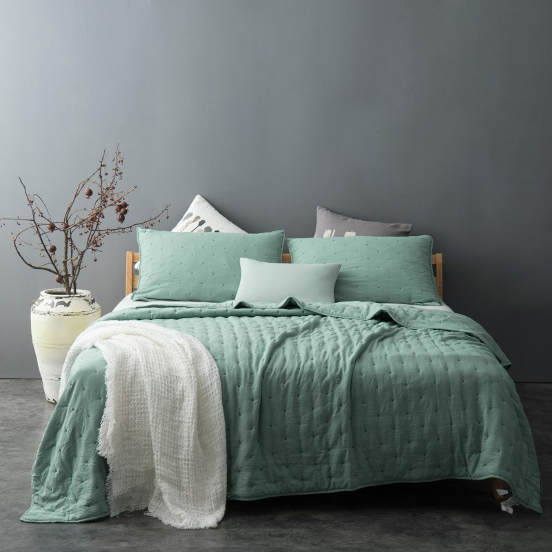 Set cuvertura de pat cu 2 fete de perna Iroise verde deschis