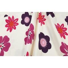 Metraj draperie copii bumbac cu flori vesele rosii cu fucsia si mov pe fond deschis
