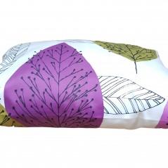 Perna decorativa dreptunghiulara cu frunze pe fond alb