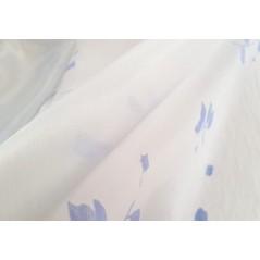 Metraj perdea romantica alba cu flori mate bleu