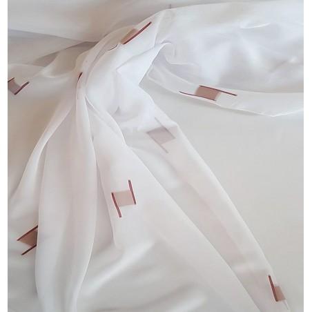 Metraj perdea voal alb cu imprimeu discret grena