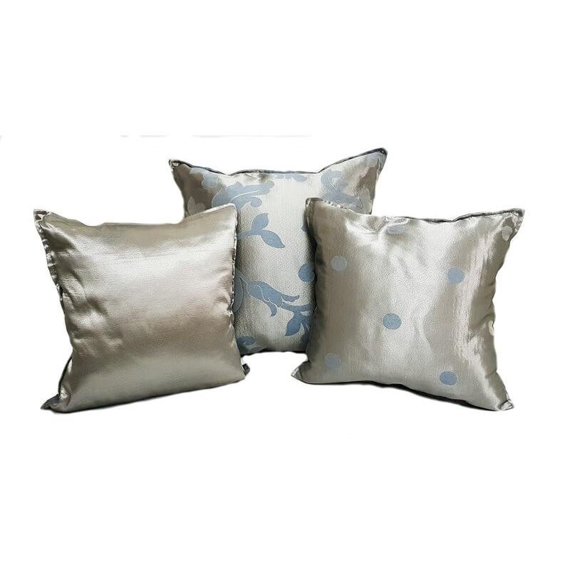 Set 3 perne decorative argintii cu imprimeu bleu
